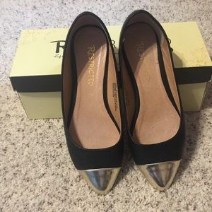 Restricted Brand Black Flats. Size 6-1/2